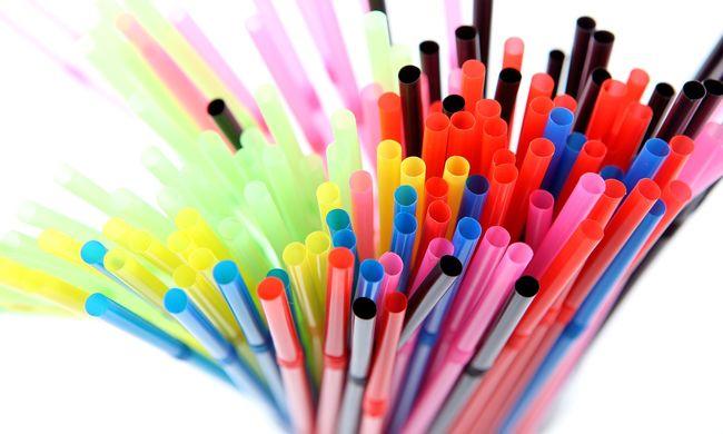 Hatalmas változás jöhet, az Európai Unióban is betilthatják a műanyag evőeszközöket