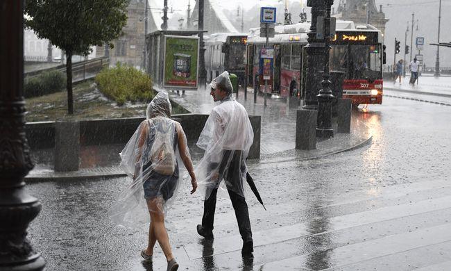 Lecsapott a vihar az országra, félelmetes erővel tombol