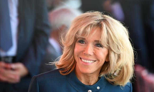 Nem kérnek a franciák az elnök feleségéből