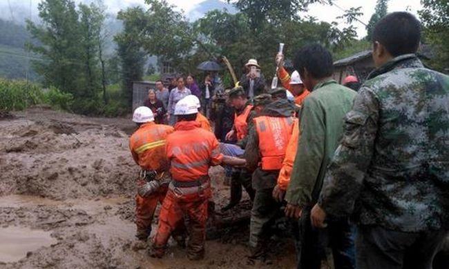 Természeti katasztrófa pusztított, rengeteg a halott