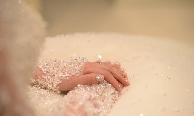 Esküvője előtt gázolták el, menyasszonyi ruhájában temették el a nőt
