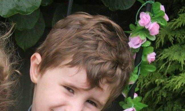 Meghalt egy hatéves kisfiú, mert fülfájásával hazaküldték a kórházból