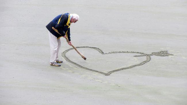 Igazi lovag: megszökött az idősek otthonából a 93 éves bácsi a randi miatt
