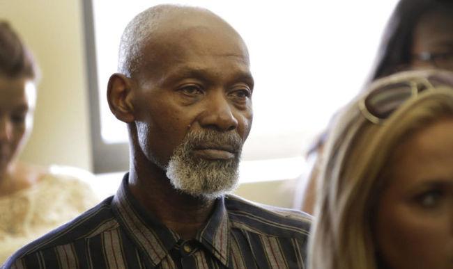 Kártérítést kap, mert 35 évet töltött börtönben valaki más helyett