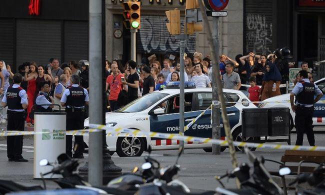 Rémtörténet a terrorból: hűtőbe rejtőzött el a támadók elől a színésznő