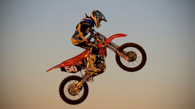 Halálos motorverseny: a nézők előtt halt meg a sportoló