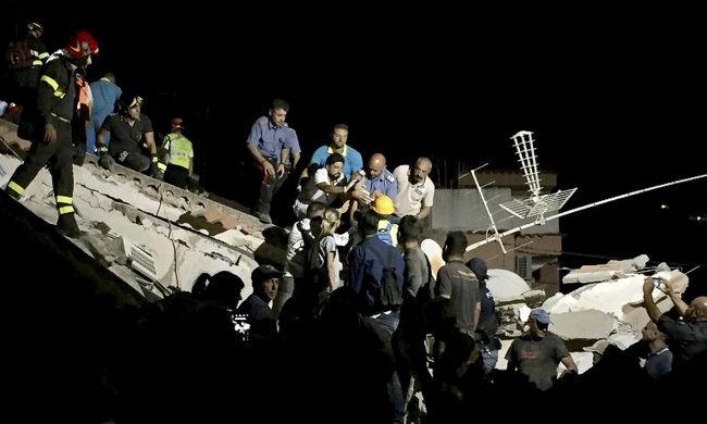 Földrengés rázta meg a turistaparadicsomot, gyerekek ragadtak a romok alatt