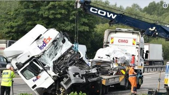Szörnyű baleset történt: sok a halott, többen életveszélyben vannak