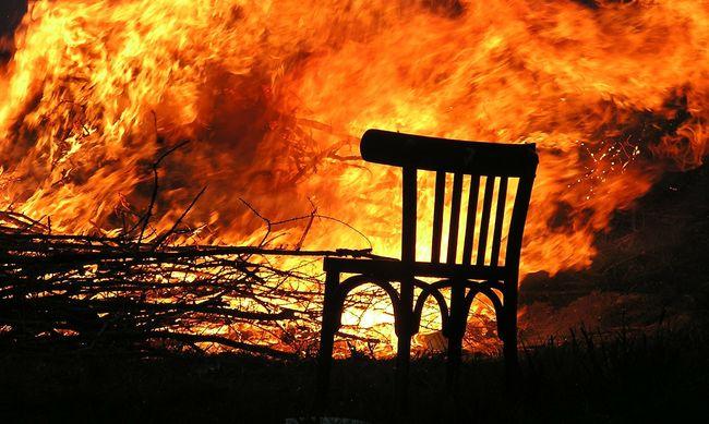 Ez felfoghatatlan: végzett gyerekeivel a kegyetlen apa, majd magára gyújtotta a házat
