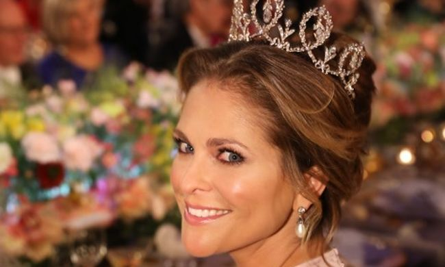 Örömhírt jelentett be a hercegnő: babát vár