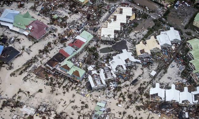 Halálos áldozatokat követelt az újabb hurrikán, kisgyermek is életét vesztette
