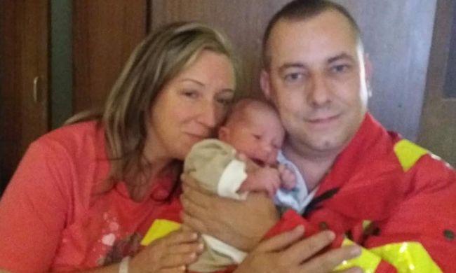 Óriási öröm érte a magyar mentőst: saját felesége szüléséhez vezényelték