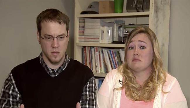 Kegyetlen tréfát űztek az interneten: gyerekeik szenvedésén viccelődött a házaspár