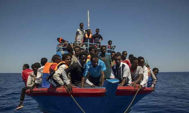 Lecsaptak az embercsempészekre, ők szállították a migránsokat