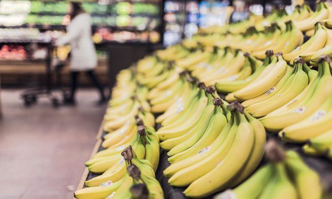 Elképesztő döntés: egy darab banán miatt rúgták ki az alkalmazottat