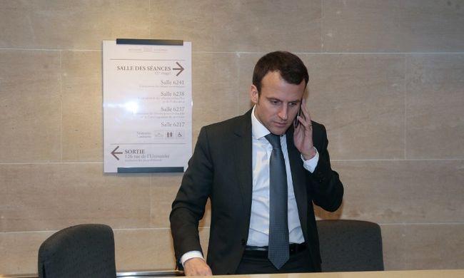 Nyilvánossá vált az elnök telefonszáma, rengetegen zaklatták
