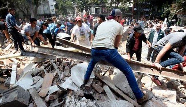 Gyerekek holttestét húzták ki az összedőlt iskola alól, rengeteg az áldozat