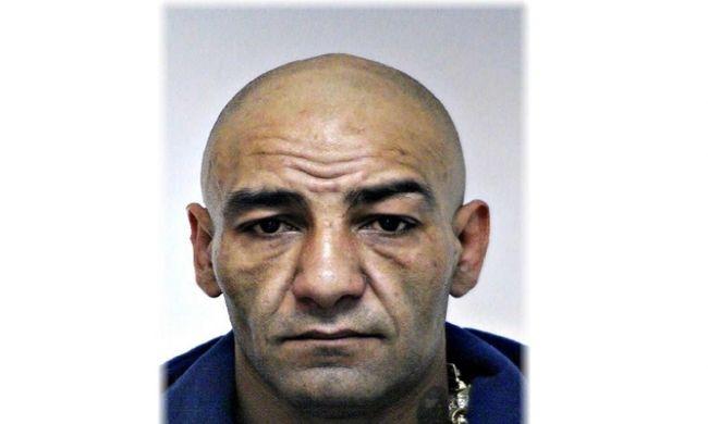 Veszélyes bűnözőket keresnek a pesti rendőrök, felismeri a szökésben lévő férfit?