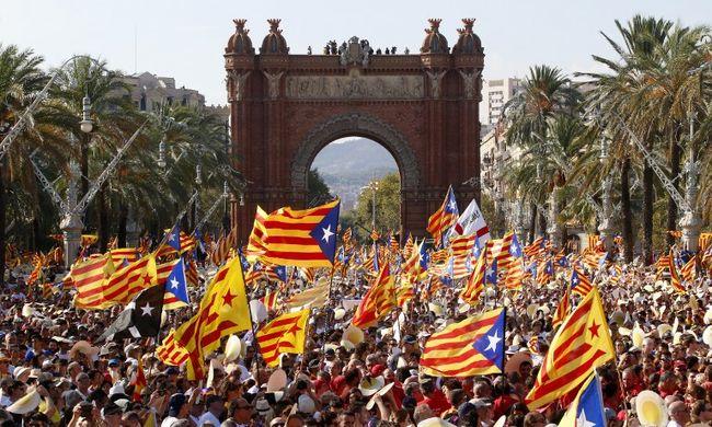 Egyre nagyobb a baj Spanyolországban, de nem kapnak segítséget
