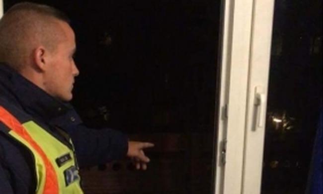 Kivonult a rendőrség Debrecenbe, 21 éves férfi akarta mélybe vetni magát