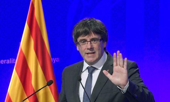 Döntöttek a katalánok: függetlenednek, de előbb tárgyalnak