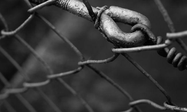 Balhé volt a budapesti börtönben, eszméletlenre vertek egy rabot