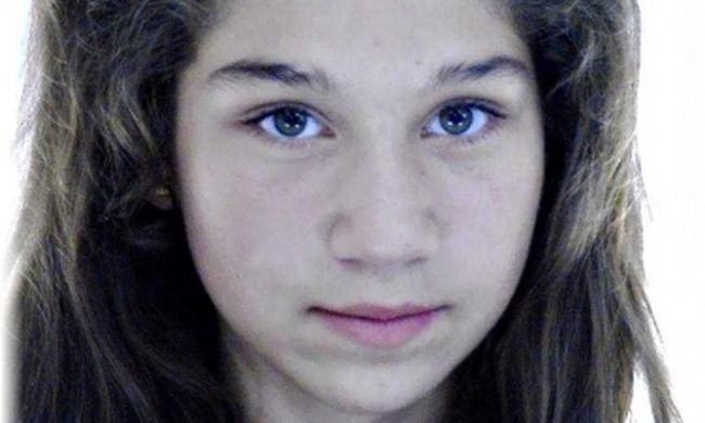 Nevelőszülei mellől rohant el ez a gyönyörű kislány, azóta nem találják
