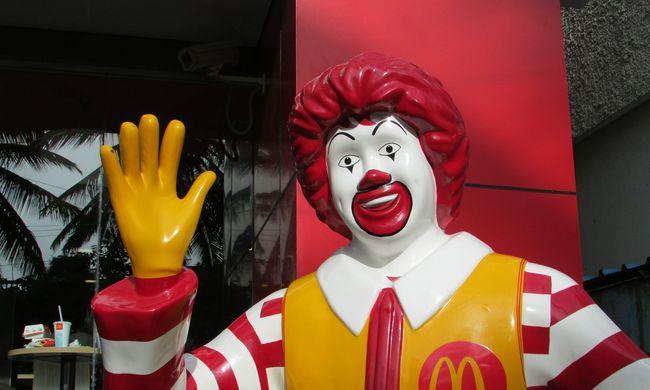 Összevertek egy vendéget a McDonald's-ban