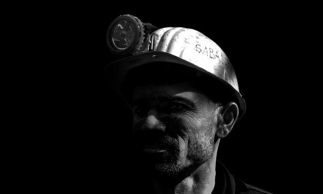 Beomlott az erdélyi bánya, nem tudtak mindenkit kimenekíteni