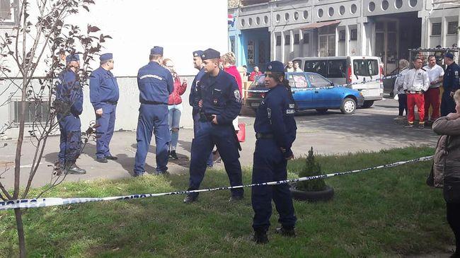 Készültség a miskolci lakótelepen, rendőrök ürítették ki a panelt