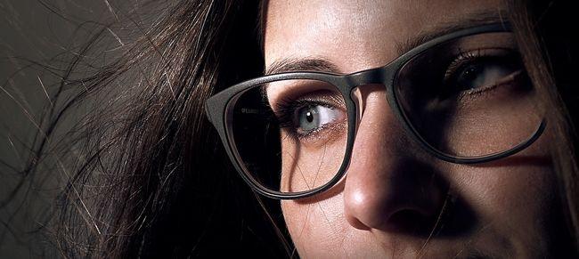 Most végre tudományosan is bizonyították: a szemüvegesek okosabbak