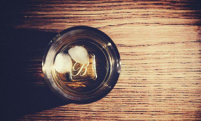 Óriási a hiány, gyárakat kell újranyitni, mert nincs elég whisky