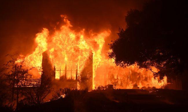Több ezer tűzoltó vonult ki, rengetegen meghaltak a katasztrófában