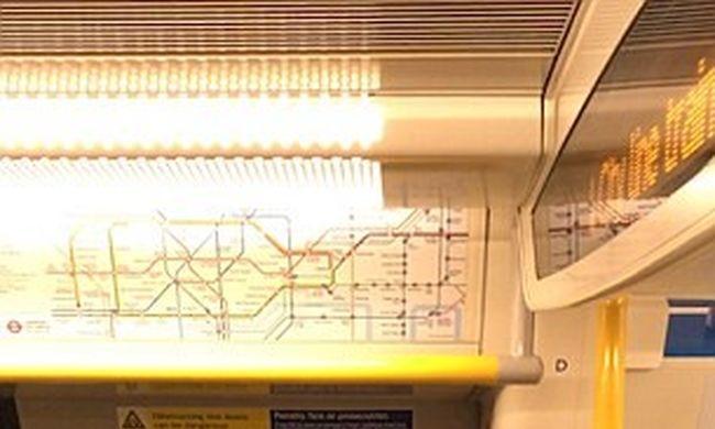 """""""Fogd be a szád, te ostoba nő"""" - üvöltötte a férfi a metrón"""