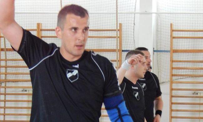 Gyász: meccs közben esett össze a magyar kézis