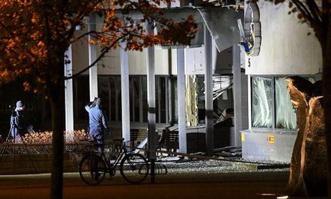 Hatalmas rázkódást éreztek a lakók: robbanás történt egy rendőrörsnél