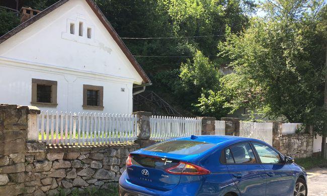 Hyundai Ioniq teszt: villannyal is ütős
