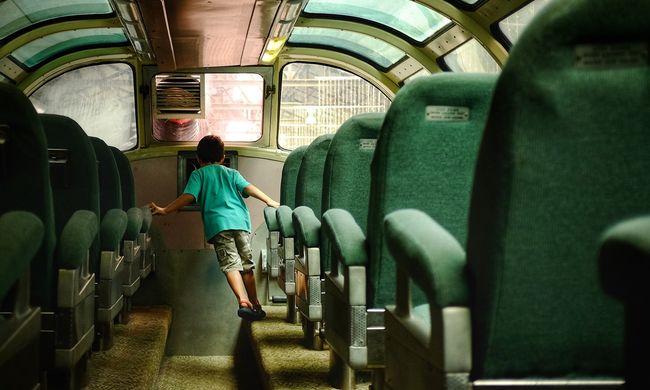 Frontálisan ütközött a munkásokat szállító busszal Bökényben, esélye sem volt a túlélésre