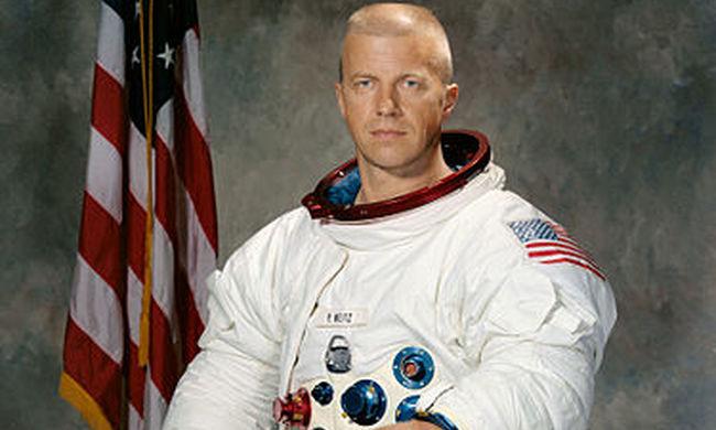 Gyászhír érkezett: elhunyt az egyik első űrhajós