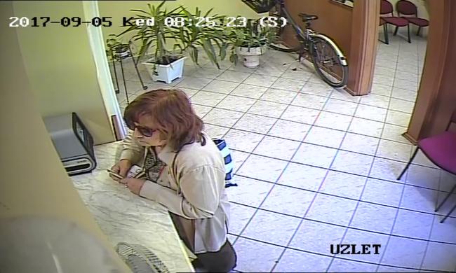 Veszélyes nőt keres a rendőrség - felismeri?