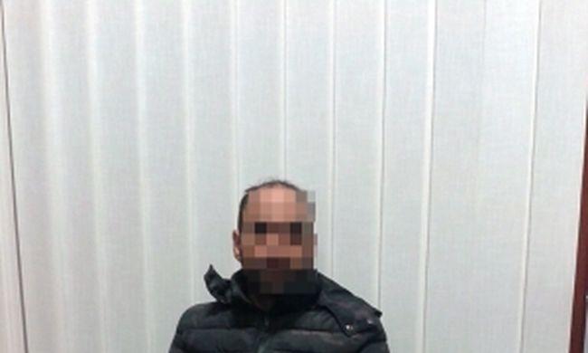 Eljutott a határig, magyar rendőrök kapták el a gyilkosságért körözött migránst