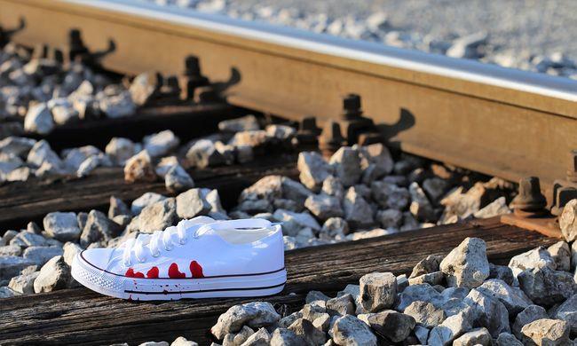 Halál a síneken: tinédzser vetette magát a vonat elé