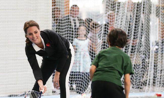 Mindenkit elvarázsolt a teniszező terhes Katalin hercegnő
