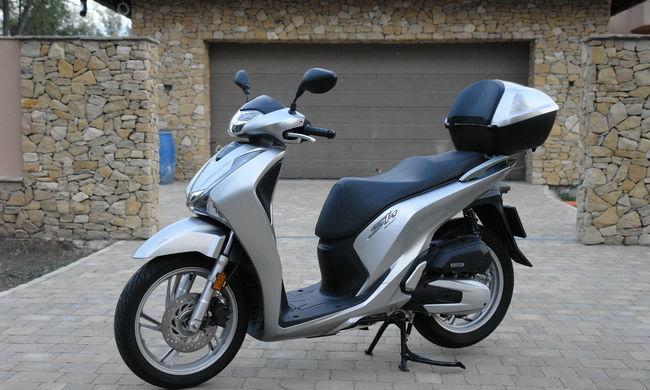 Honda SH 125 AD teszt - A városi közlekedés eszköze