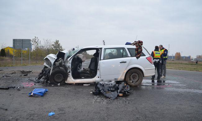 Felkavaró fotók érkeztek a Tolna megyei halálos balesetről