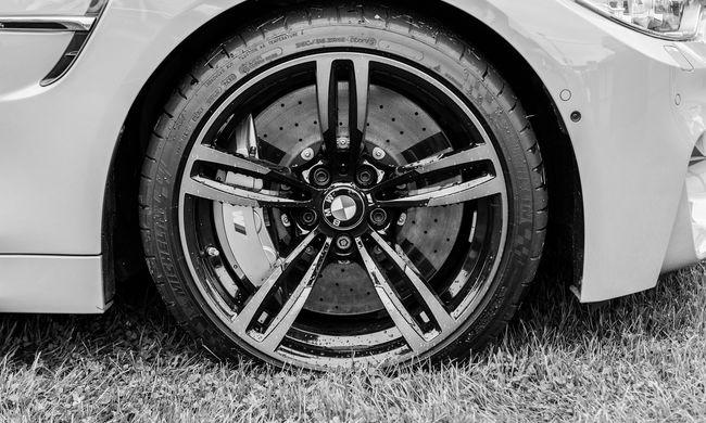 Könnyítés az autósoknak: olcsóbb lesz a jogosítvány