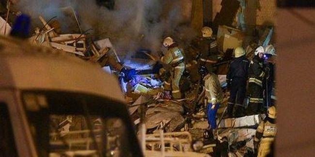 Robbanás miatt omlott össze egy lakóház, azonosították az áldozatokat