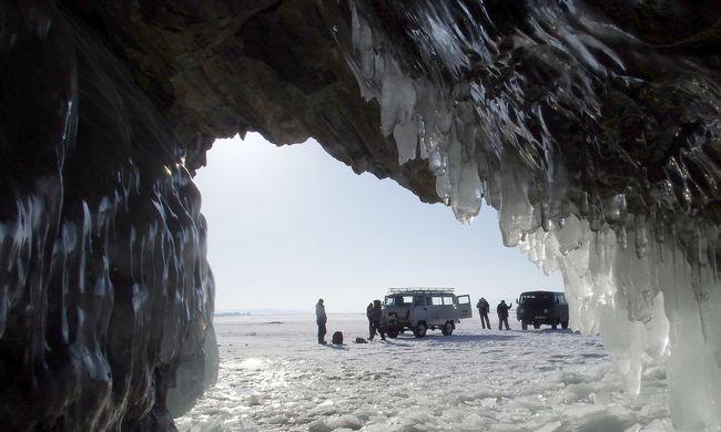 Régi betegségek csaphatnak le újra: a jégbe fagyott vírusok lassan elszabadulnak