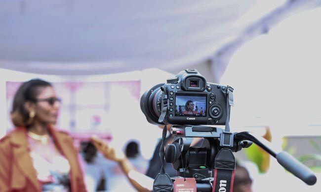 Kényes kérdést tett fel, élő adásban fejelték meg a riportert - videó