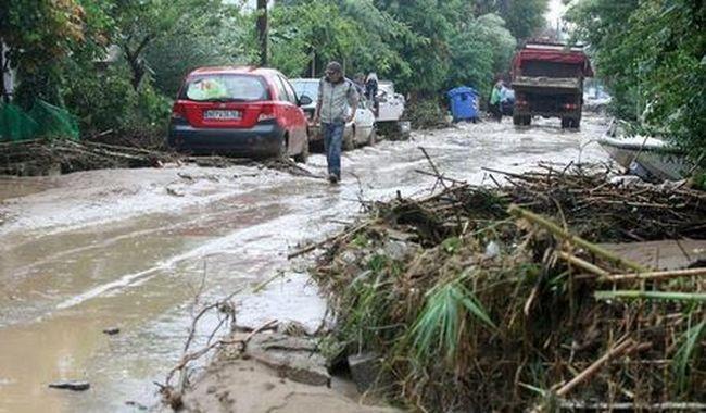 Ítéletidő pusztít a turistaparadicsomban, sokak életét nem tudták megmenteni